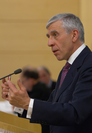 jack straw delivers the mackenzie stuart lecture
